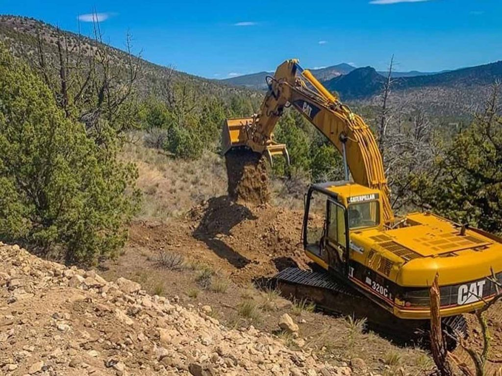 Hiring An Excavator? This Is What You Need To Know